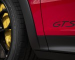 2021 Porsche Cayenne GTS Coupe (Color: Carmine Red) Badge Wallpapers 150x120 (39)