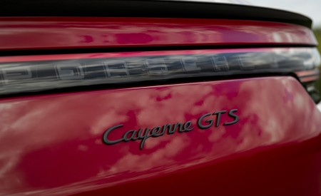 2021 Porsche Cayenne GTS Coupe (Color: Carmine Red) Badge Wallpapers 450x275 (40)