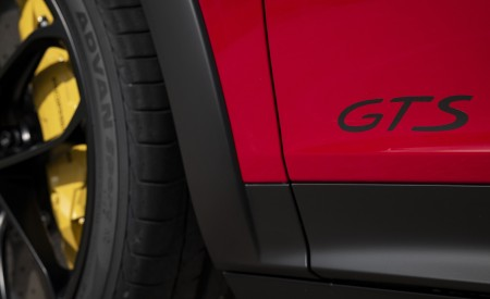 2021 Porsche Cayenne GTS Coupe (Color: Carmine Red) Badge Wallpapers 450x275 (39)