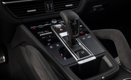 2021 Porsche Cayenne GTS Coupe (Color: Carmine Red) Central Console Wallpapers 450x275 (54)