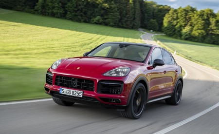 2021 Porsche Cayenne GTS Coupe (Color: Carmine Red) Front Three-Quarter Wallpapers 450x275 (2)