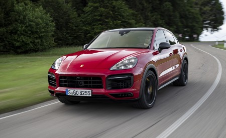 2021 Porsche Cayenne GTS Coupe (Color: Carmine Red) Front Three-Quarter Wallpapers 450x275 (3)