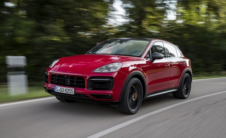 2021 Porsche Cayenne GTS Coupe (Color: Carmine Red) Front Three-Quarter Wallpapers 450x275 (4)