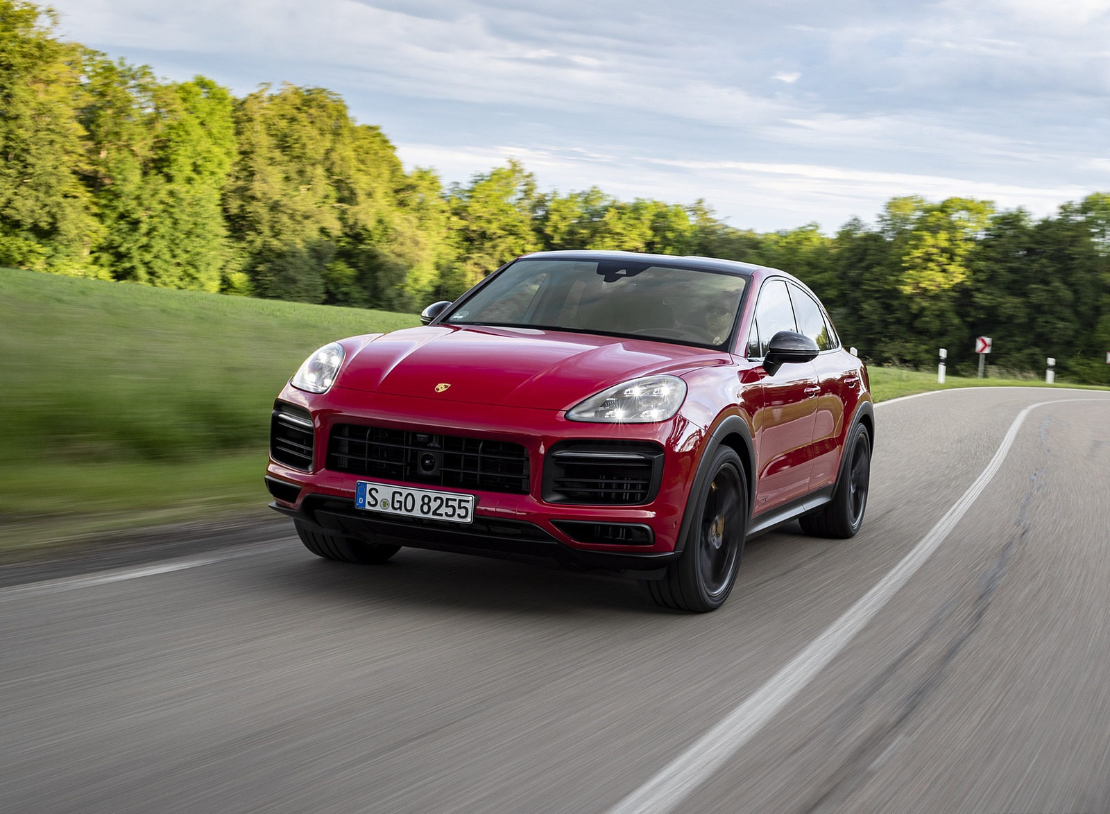 2021 Porsche Cayenne GTS Coupe (Color: Carmine Red) Front Wallpapers (5)