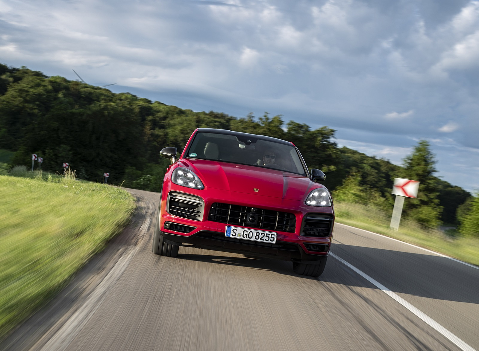 2021 Porsche Cayenne GTS Coupe (Color: Carmine Red) Front Wallpapers (6)