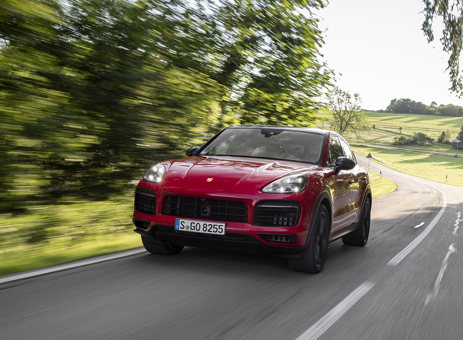 2021 Porsche Cayenne GTS Coupe (Color: Carmine Red) Front Wallpapers (7)