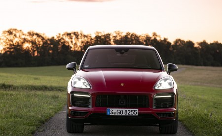 2021 Porsche Cayenne GTS Coupe (Color: Carmine Red) Front Wallpapers 450x275 (26)