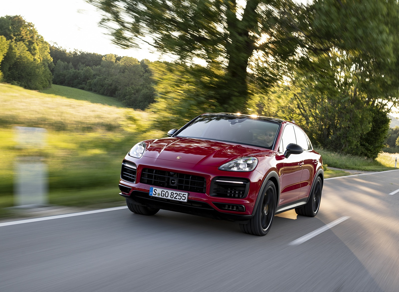 2021 Porsche Cayenne GTS Coupe (Color: Carmine Red) Front Wallpapers (8)