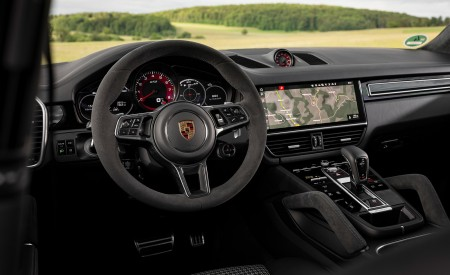 2021 Porsche Cayenne GTS Coupe (Color: Carmine Red) Interior Wallpapers 450x275 (52)