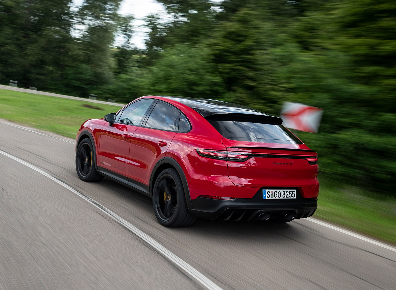 2021 Porsche Cayenne GTS Coupe (Color: Carmine Red) Rear Three-Quarter Wallpapers (9)