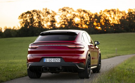 2021 Porsche Cayenne GTS Coupe (Color: Carmine Red) Rear Wallpapers 450x275 (30)
