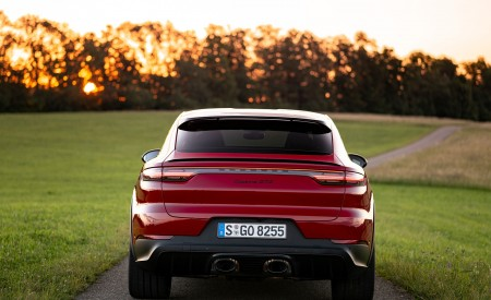 2021 Porsche Cayenne GTS Coupe (Color: Carmine Red) Rear Wallpapers 450x275 (31)