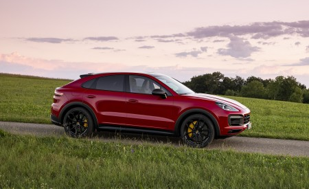 2021 Porsche Cayenne GTS Coupe (Color: Carmine Red) Side Wallpapers 450x275 (32)