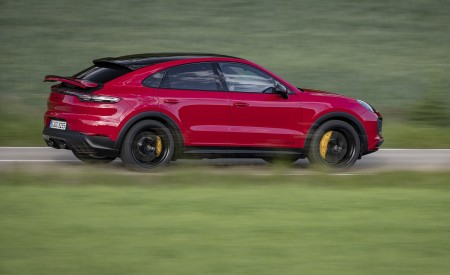 2021 Porsche Cayenne GTS Coupe (Color: Carmine Red) Side Wallpapers 450x275 (21)