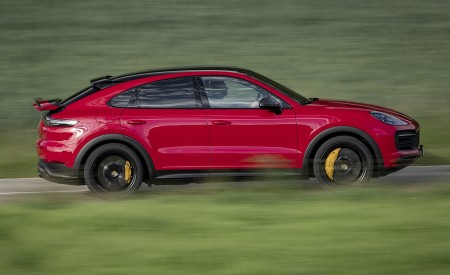 2021 Porsche Cayenne GTS Coupe (Color: Carmine Red) Side Wallpapers 450x275 (22)
