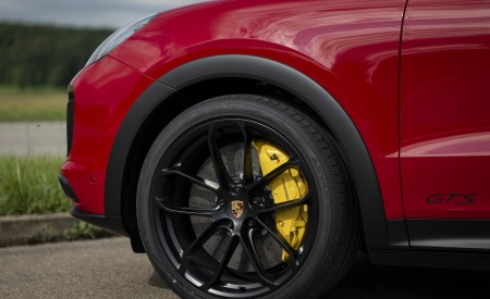 2021 Porsche Cayenne GTS Coupe (Color: Carmine Red) Wheel Wallpapers 450x275 (34)