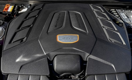 2021 Porsche Cayenne GTS Coupe (Color: Crayon) Engine Wallpapers 450x275 (111)