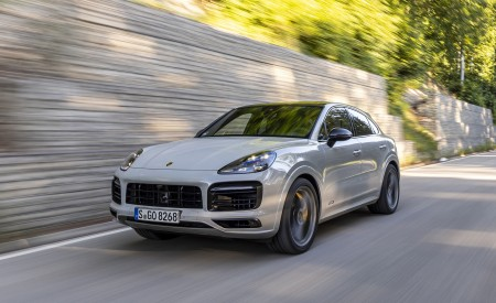 2021 Porsche Cayenne GTS Coupe (Color: Crayon) Front Three-Quarter Wallpapers 450x275 (67)