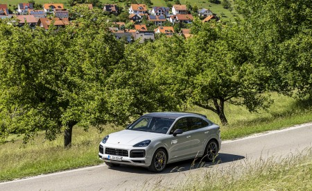 2021 Porsche Cayenne GTS Coupe (Color: Crayon) Front Three-Quarter Wallpapers 450x275 (80)