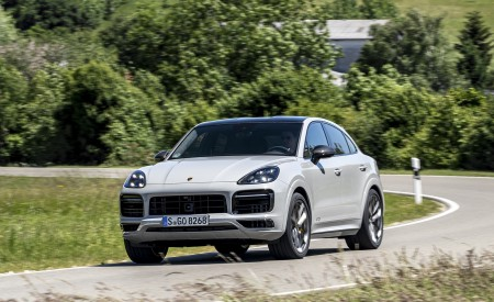 2021 Porsche Cayenne GTS Coupe (Color: Crayon) Front Three-Quarter Wallpapers 450x275 (69)