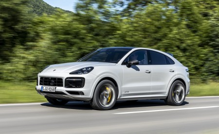2021 Porsche Cayenne GTS Coupe (Color: Crayon) Front Three-Quarter Wallpapers 450x275 (57)