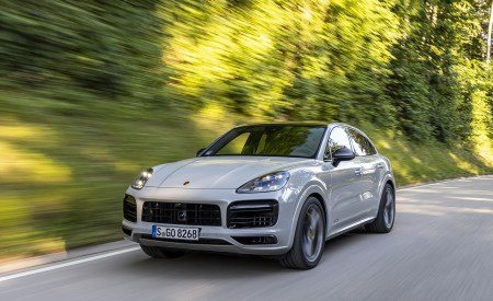 2021 Porsche Cayenne GTS Coupe (Color: Crayon) Front Three-Quarter Wallpapers 450x275 (70)