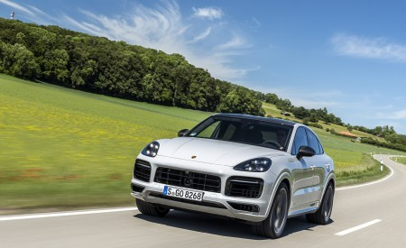 2021 Porsche Cayenne GTS Coupe (Color: Crayon) Front Wallpapers 450x275 (59)