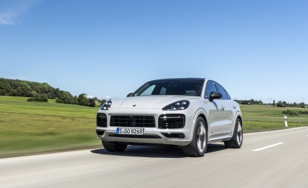 2021 Porsche Cayenne GTS Coupe (Color: Crayon) Front Wallpapers 450x275 (60)