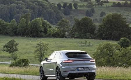 2021 Porsche Cayenne GTS Coupe (Color: Crayon) Rear Three-Quarter Wallpapers 450x275 (87)