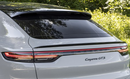 2021 Porsche Cayenne GTS Coupe (Color: Crayon) Tail Light Wallpapers 450x275 (101)