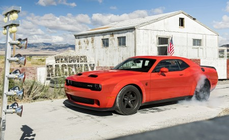 2020 Dodge Challenger SRT Super Stock Front Three-Quarter Wallpapers 450x275 (6)