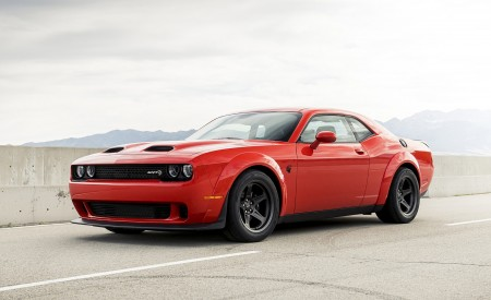 2020 Dodge Challenger SRT Super Stock Front Three-Quarter Wallpapers 450x275 (4)