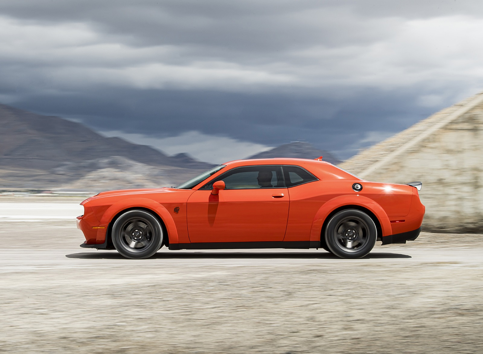 2020 Dodge Challenger SRT Super Stock Side Wallpapers (2)
