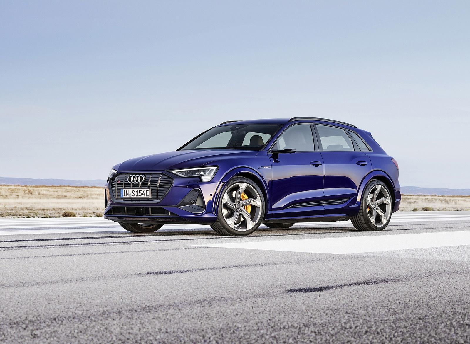2021 Audi e-tron S (Color: Navarra Blue) Front Three-Quarter Wallpapers (1)