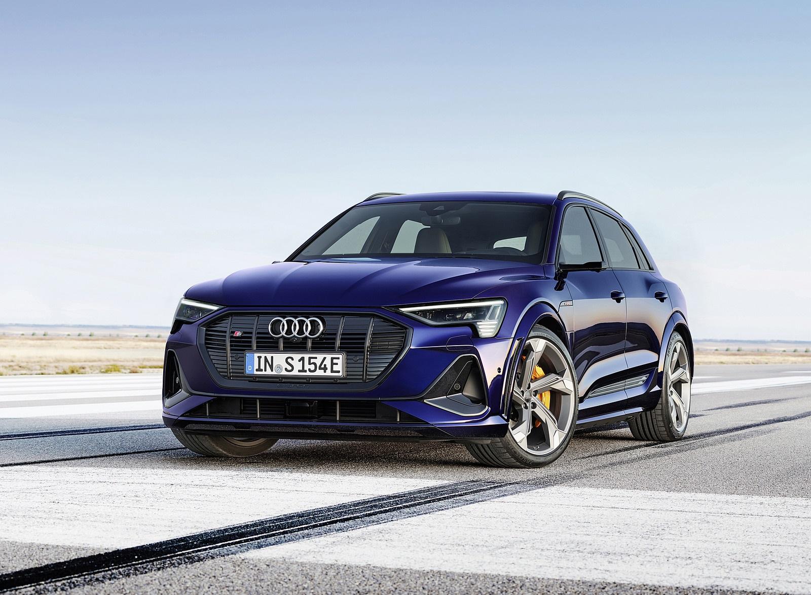 2021 Audi e-tron S (Color: Navarra Blue) Front Wallpapers (3)