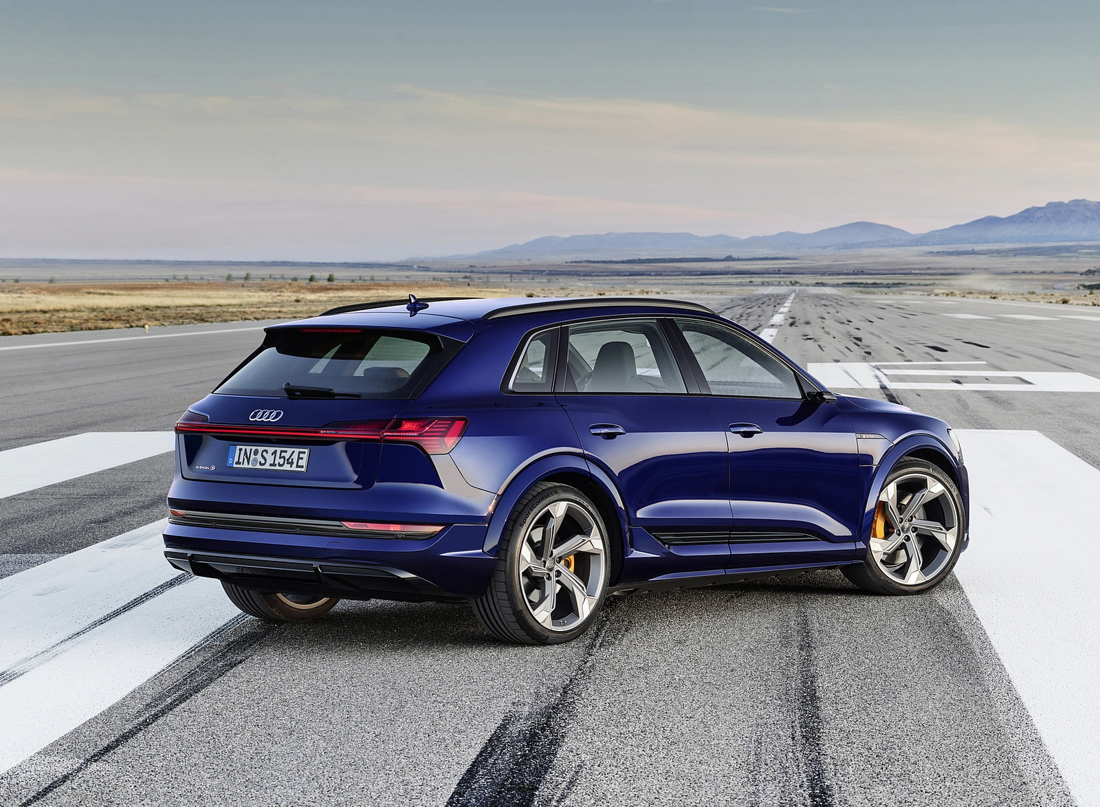 2021 Audi e-tron S (Color: Navarra Blue) Rear Three-Quarter Wallpapers (4)