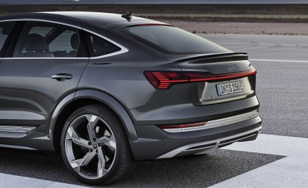 2021 Audi e-tron S Sportback (Color: Daytona Gray) Detail Wallpapers 450x275 (9)