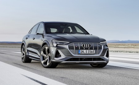 2021 Audi e-tron S Sportback (Color: Daytona Gray) Front Three-Quarter Wallpapers 450x275 (1)
