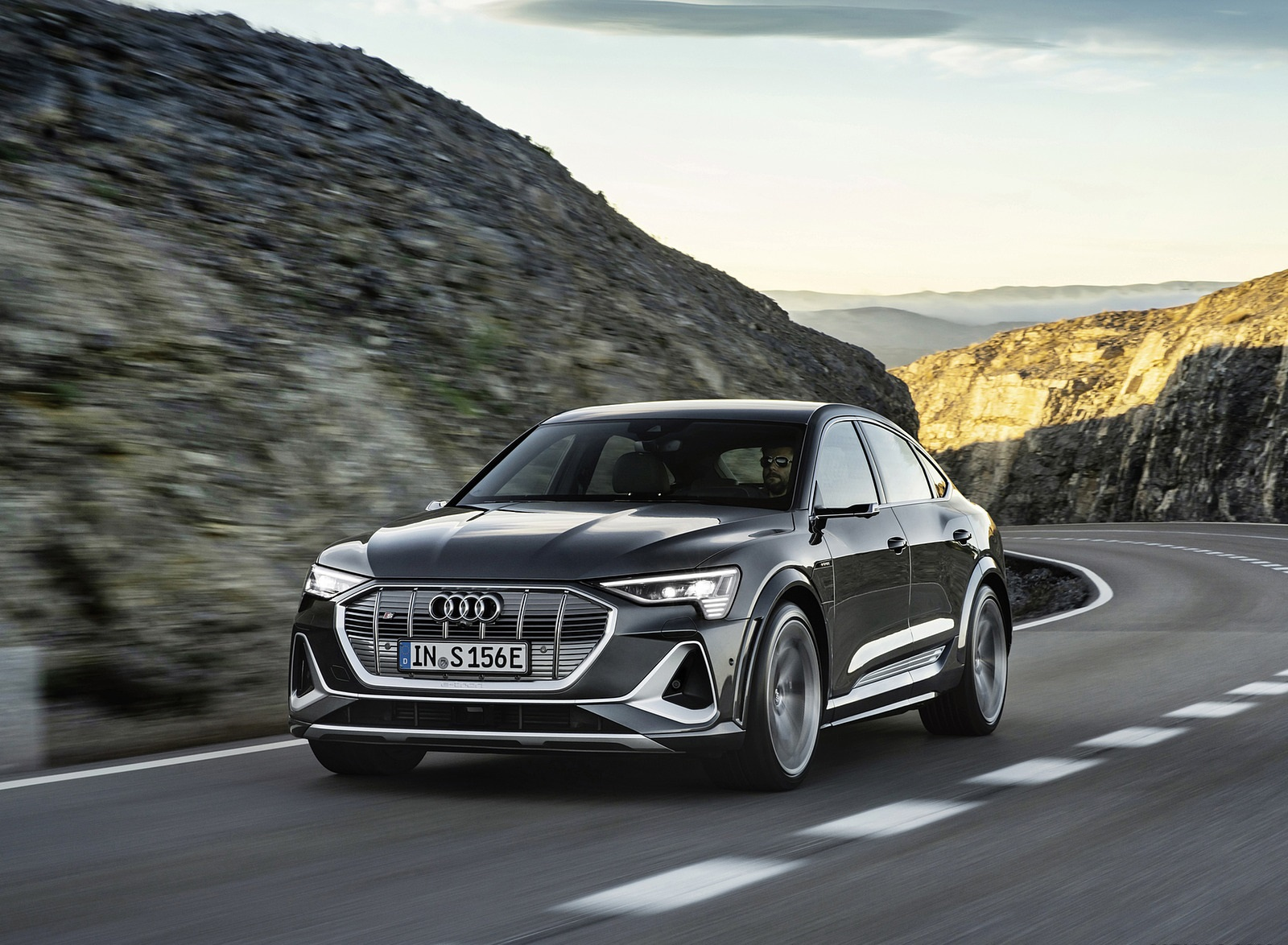 2021 Audi e-tron S Sportback (Color: Daytona Gray) Front Wallpapers (1)