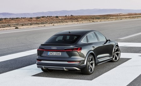 2021 Audi e-tron S Sportback (Color: Daytona Gray) Rear Three-Quarter Wallpapers 450x275 (5)
