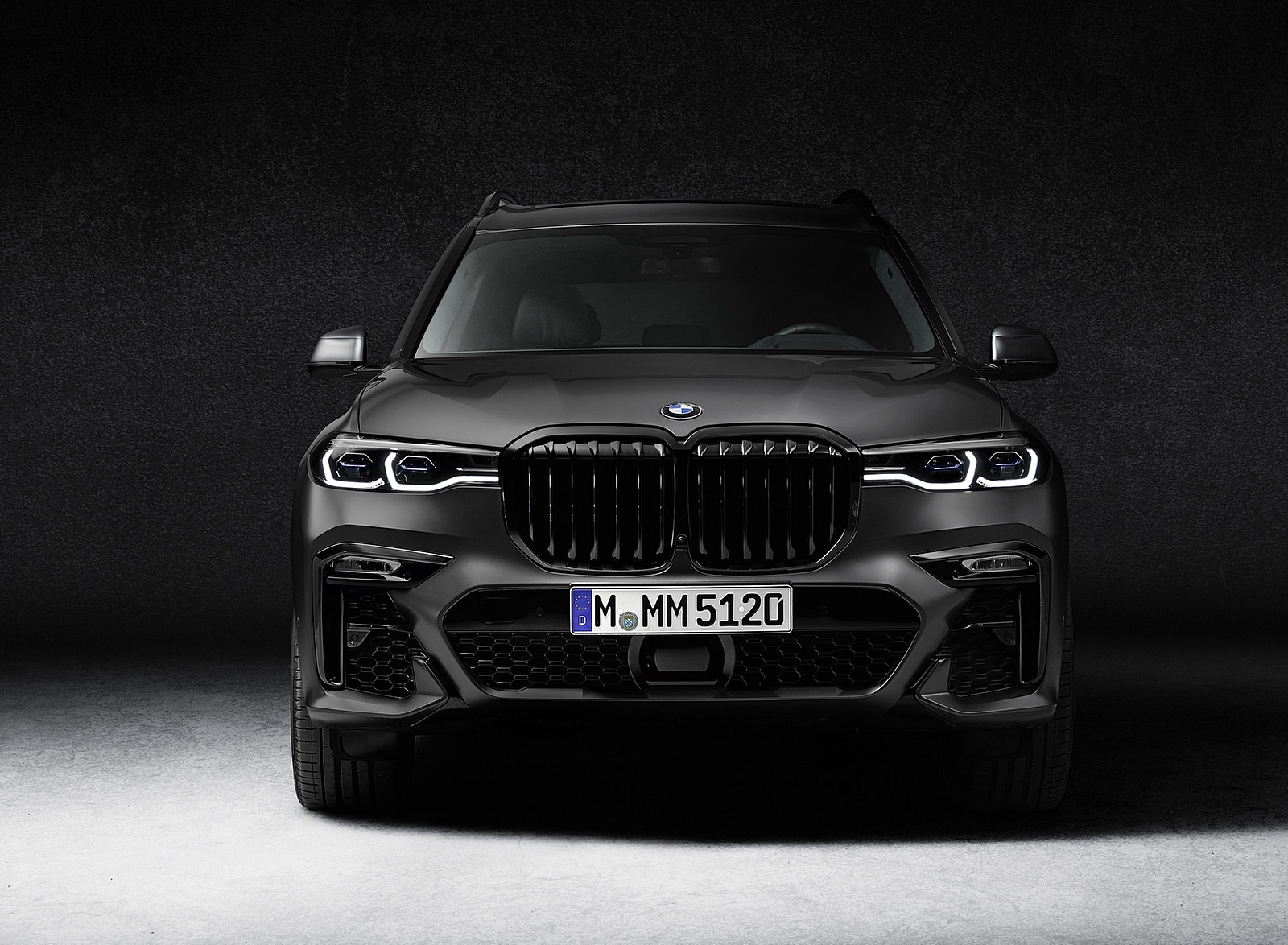 2021 BMW X7 Dark Shadow Edition Front Wallpapers (3)