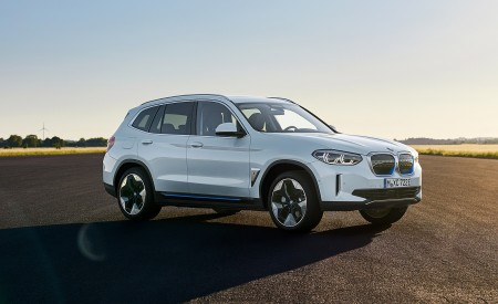 2021 BMW iX3 Front Three-Quarter Wallpapers 450x275 (13)