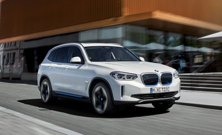 2021 BMW iX3 Front Three-Quarter Wallpapers 450x275 (1)