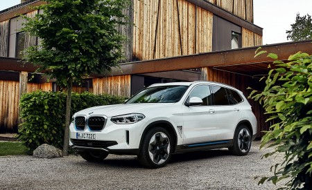 2021 BMW iX3 Front Three-Quarter Wallpapers 450x275 (26)