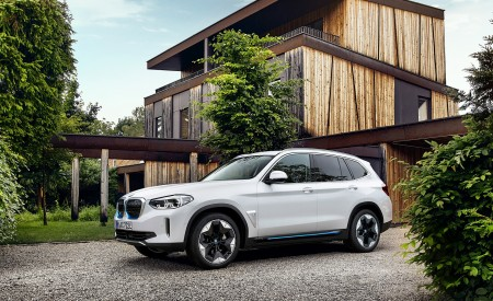 2021 BMW iX3 Front Three-Quarter Wallpapers 450x275 (27)