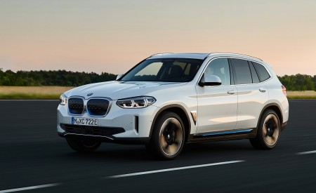 2021 BMW iX3 Front Three-Quarter Wallpapers 450x275 (8)