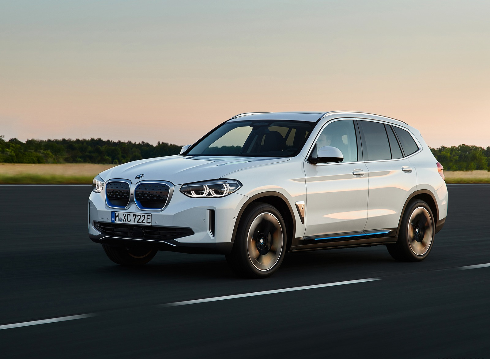 2021 BMW iX3 Front Three-Quarter Wallpapers (8)