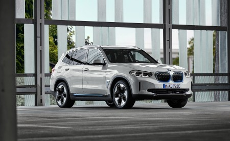 2021 BMW iX3 Front Three-Quarter Wallpapers 450x275 (43)