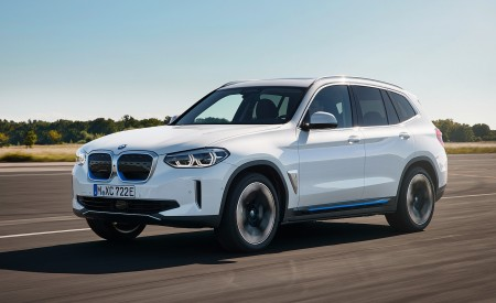 2021 BMW iX3 Front Three-Quarter Wallpapers 450x275 (2)