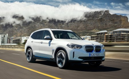 2021 BMW iX3 Front Three-Quarter Wallpapers 450x275 (3)